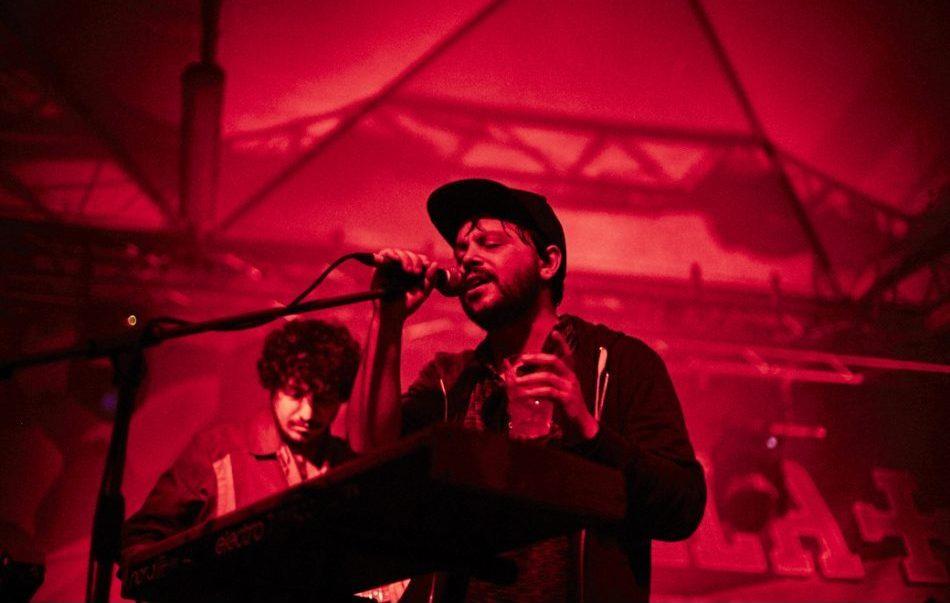 Calcutta e parte della sua band sul palco del MiAmi Festival 2016, al Circolo Magnolia