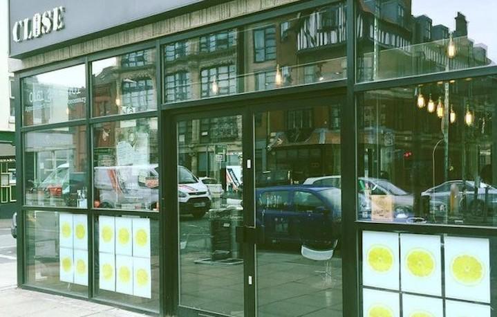 Nuovi limoni a casa Stone Roses, a Manchester qualcosa si muove - Foto via Twitter