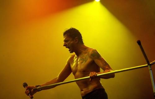 Dave Gahan, a 53 anni e dopo aver rischiato di morire almeno due volte, è ancora un animale da palco. Foto: Jon Super/Redferns