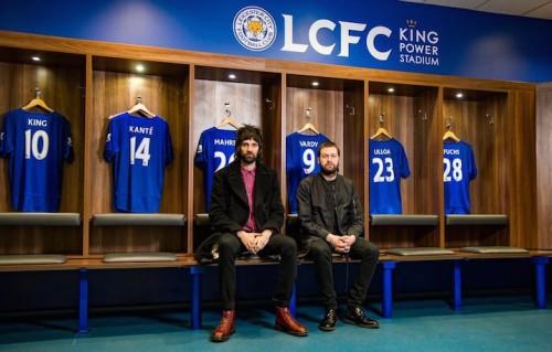 I Kasabian nello spogliatoio del Leicester. Fonte: Twitter