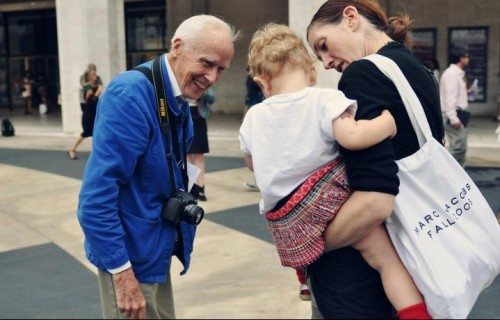 Bill Cunningham durante la Fashion Week - Foto di Jiyang Chen