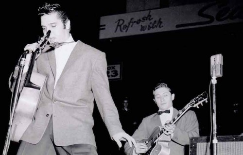 Elvis e Scotty Moore in concerto
