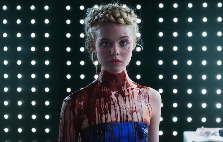 Elle Fanning è la bellissima protagonista del film. (Abito: Emporio Armani)
