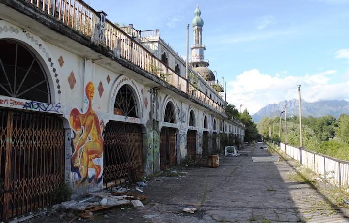 Consonno, la città fantasma di Lecco. Foto: Paolo Minotti