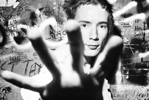 punk, punk in britain, galleria carla sozzani, Milano, mostra foto, gallery, Johnny rotten, sex pistols, viv westwood