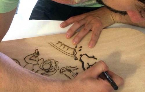 """Marcello Gatti a.k.a. Myoopia e la sua tavola ispirata a Moira Orfei per """"Skateboards Confluence"""""""