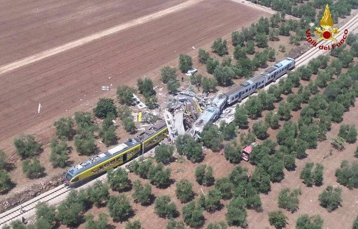 Corato-Andria: scontro fra treni, vittime e diversi feriti FOTO