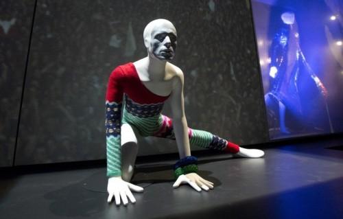 Uno scatto della mostra David Bowie is, archivio Victoria and Albert Museum, London