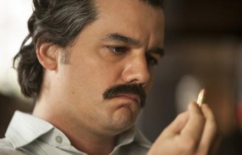 Wagner Moura confermato nel ruolo di Pablo Escobar nella seconda stagione di Narcos, su Netflix dal 2 settembre