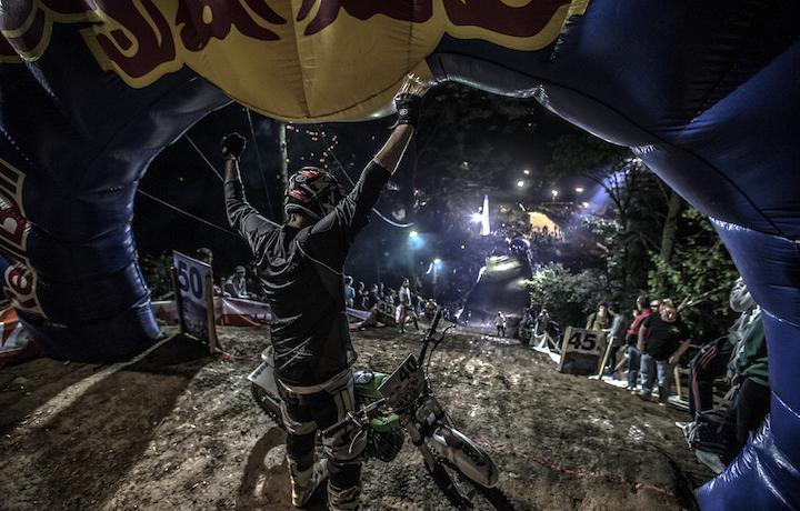 """Un'immagine della scorsa edizione del """"Red Bull Epic Rise"""". Foto: Damiano Levati/Red Bull Content Pool"""