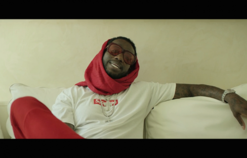 Gucci Mane in un frame del video di Supreme
