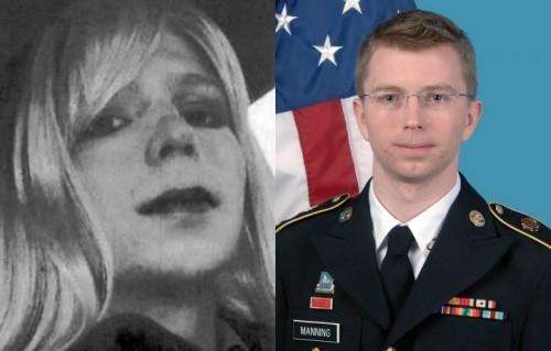 Chelsea Manning, a sinistra, ha cambiato sesso immediatamente dopo la condanna. A destra una foto del 2012, come Bradley Edward Manning