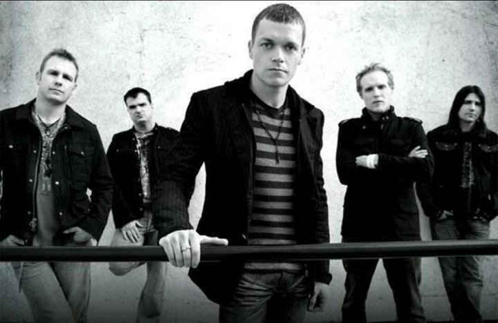 """Un dettaglio della copertina di """"3 Doors Down"""", l'omonimo album della band del 2008, il penultimo insieme al chitarrista Matt Roberts"""