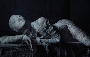"""Guarda il poster e i nuovi trailer del nuovo """"American Horror Story"""" in arrivo a settembre"""