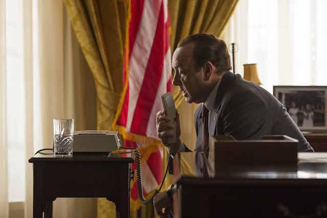Kevin Spacey nel ruolo di Richard Nixon in Elvis & Nixon