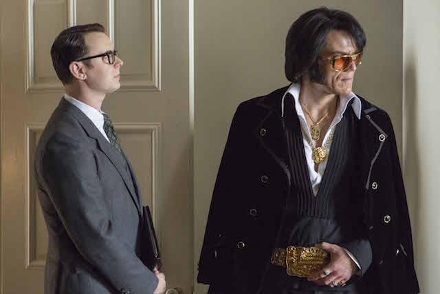 Colin Hanks è Egil Krogh e Michael Shannon è Elvis Presley in Elvis & Nixon