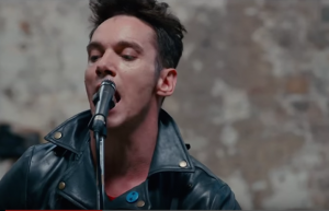 "Guarda Jonathan Rhys Meyers nei panni di  Joe Strummer nel primo trailer di ""London Town"""