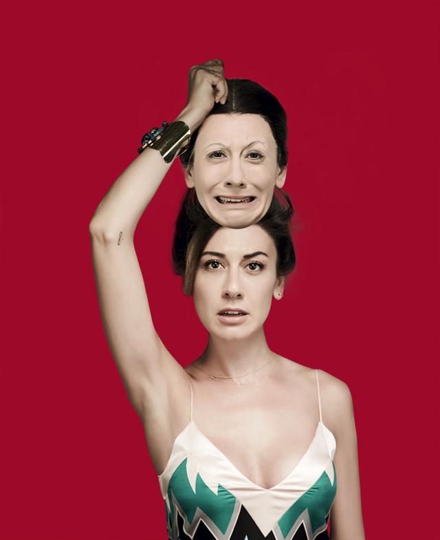 Virginia Raffaele fotografata da Giovanni Gastel per Rolling Stone. Abito SALVATORE FERRAGAMO, bracciale in metallo dorato e cristalli SWAROVSKI.