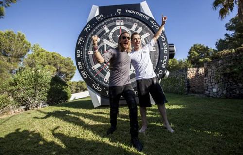I due super dj David Guetta e il 20enne Martin Garrix, vecchia e nuova scuola, a confronto nella villa di TAG Heuer a Ibiza