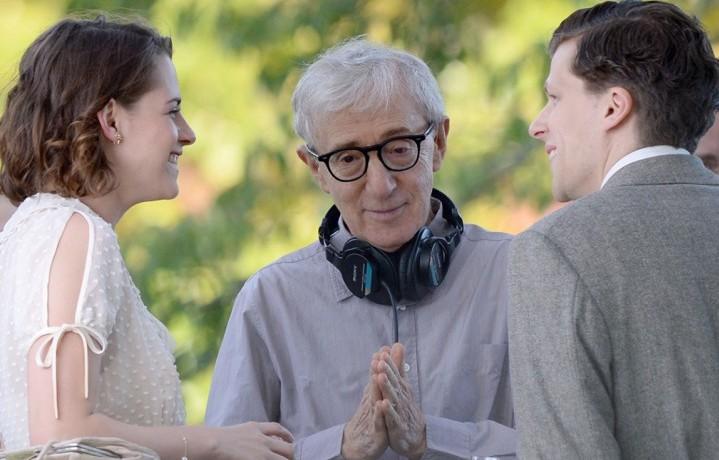 Kristen Stewart, Woody Allen, Jesse Eisenberg - Picture Splash News