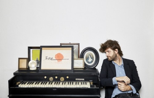 """Il nuovo album di Dente dal titolo """"Canzoni per metà"""" è in uscita il 7 ottobre"""