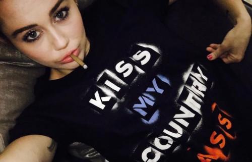Miley Cyrus, foto via Facebook