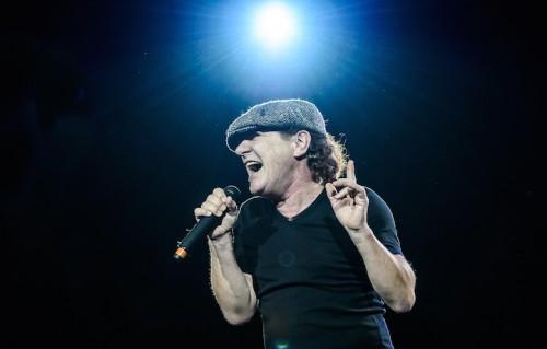 Brian Johnson sul palco, foto di Michele Aldeghi
