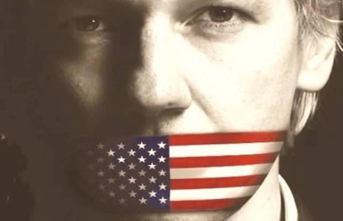 Julian Assange, immagine via WikiLeaks Facebook