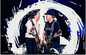 """Al Desert Trip Paul McCartney ha suonato """"A Day In The Life"""" con Neil Young"""
