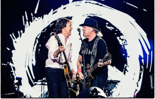 Paul McCartney e Neil Young live al Desert Trip, foto via Facebook