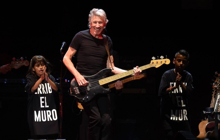 Roger Waters durante l'ultimo weekend al Desert Trip 2016 - Foto via Facebook