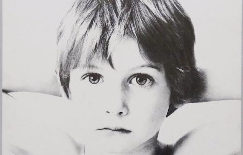 Un dettaglio della copertina di Boy