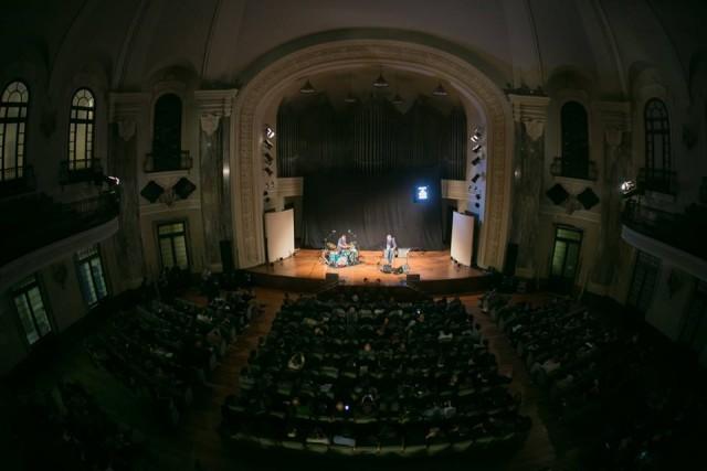 Il live di Arto Lindsay al Conservatorio. Foto: Club To Club