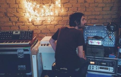 Francesco Bianconi dei Baustelle in studio - Foto via Facebook