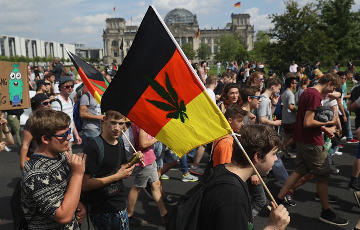 La manifestazione in favore della legalizzazione del 13 agosto a Berlino. Photo by Sean Gallup/Getty Images