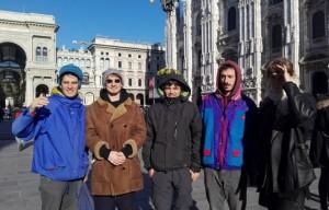 Foto di famiglia in Piazza Duomo. Foto: Facebook
