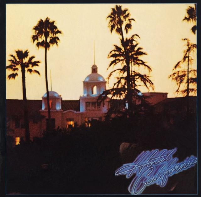 """La copertina di """"Hotel California"""" degli Eagles"""