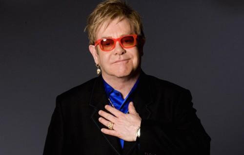 Un ritratto di Elton John, Foto via Mercury Records:Universal Music