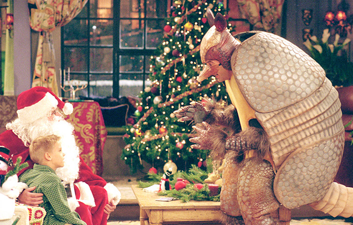 "Ross travestito da armadillo, l'animale simbolo di tutte le festività, nell'episodio di Friends ""The one with the holiday armadillo"""