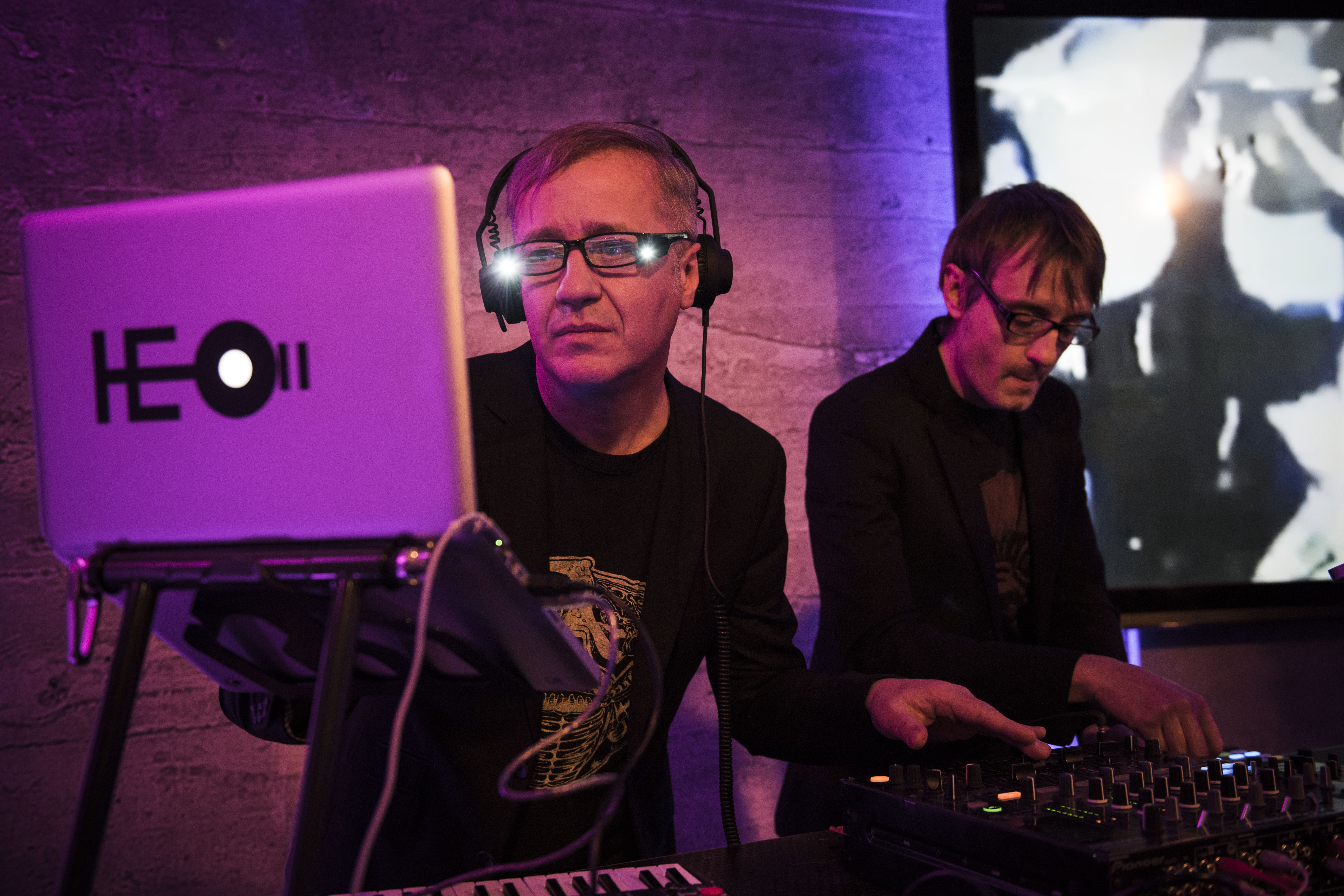 Max Casacci e Ninja all'IQOS Embassy di Torino, durante la presentazione in anteprima del loro nuovo lavoro. Foto Diana Bagnoli