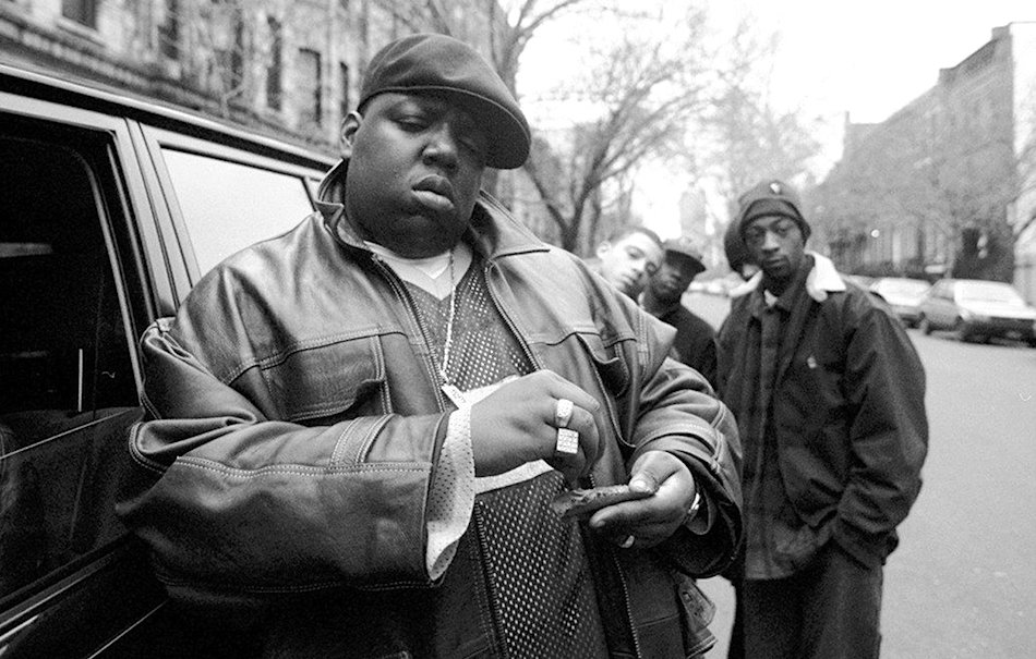 Notorious B.I.G. fuori dalla casa della madre a Brooklyn - Foto Clarence Davis via Getty Images