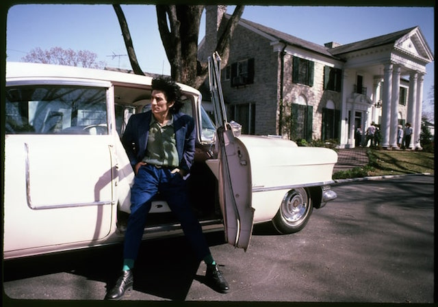 Rin Wood a Graceland, foto di Harry Benson