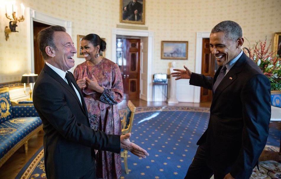 Bruce Springsteen e Barack Obama, foto di Pete Souza via Facebook