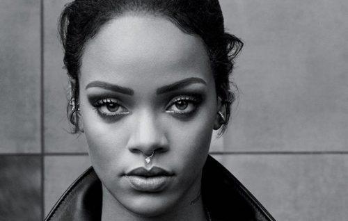 Harvard premia Rihanna come filantropa dell'anno