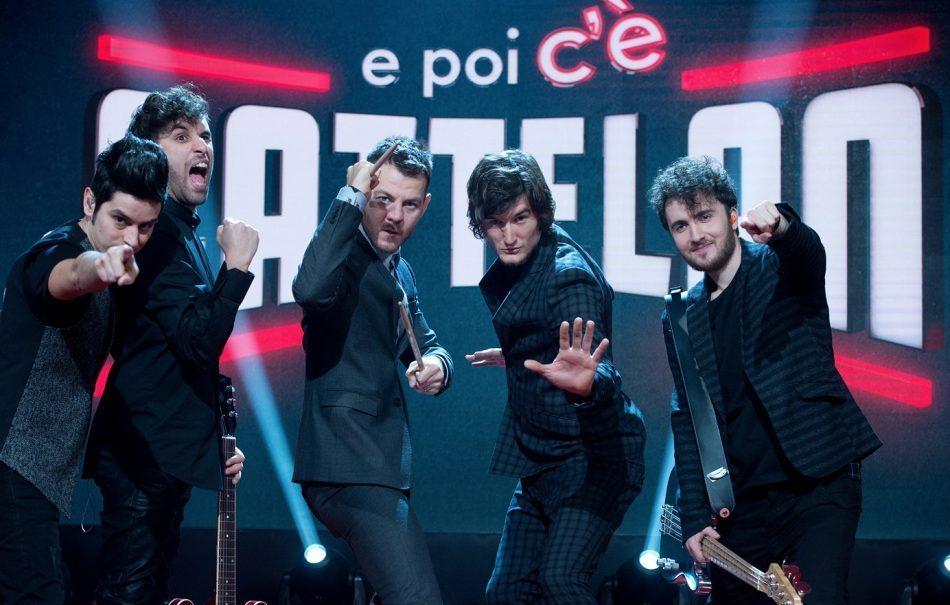 Alessandro Cattelan con la sua band, gli Street Clerks, tornano dal 16 febbraio in seconda serata su Sky Uno