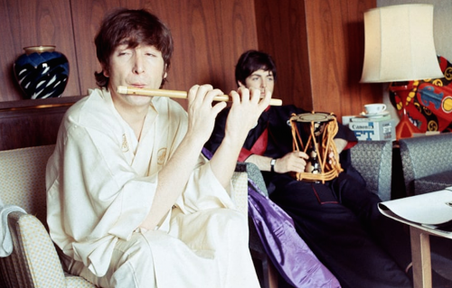 Beatles, le rare foto del viaggio in Giappone del 1966