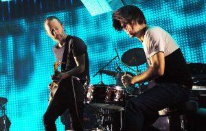 Thom Yorke e Johnny Greenwood durante il concerto dei Radiohead alla O2 Arena di Londra, foto di Jim Dyson/Getty Images