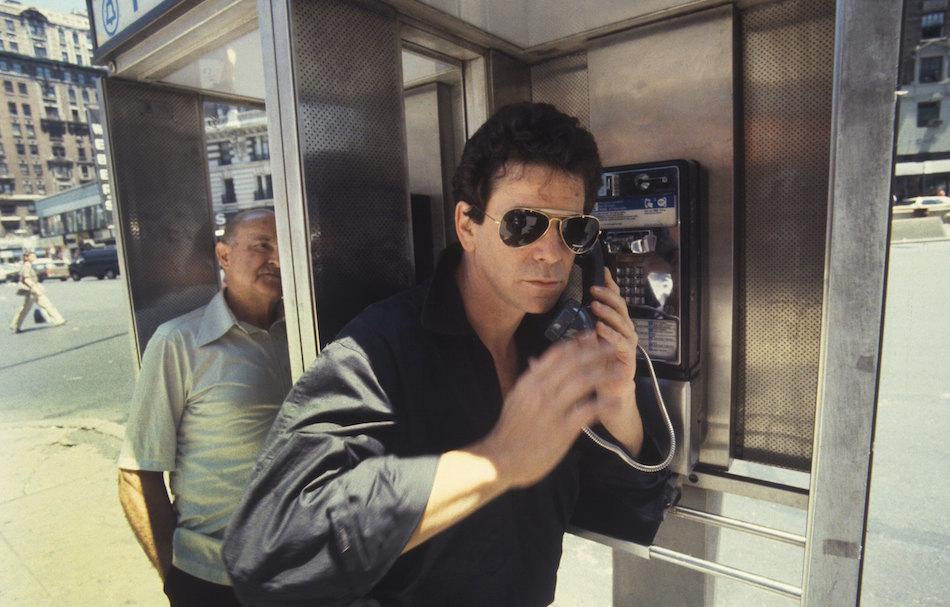 Lou Reed in uno dei ritratti scattati a New York nel 1984, foto di Waring Abbott/Getty Images