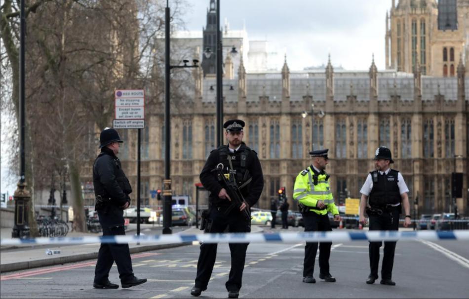 Attacco a Londra, Scotland Yard diffonde foto attentatore
