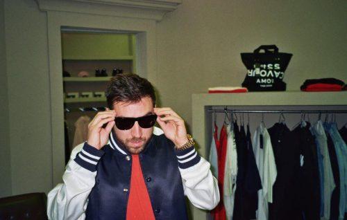"""Coez: """"Faccio un casino"""" è il nuovo singolo, prodotto da Niccolò Contessa"""